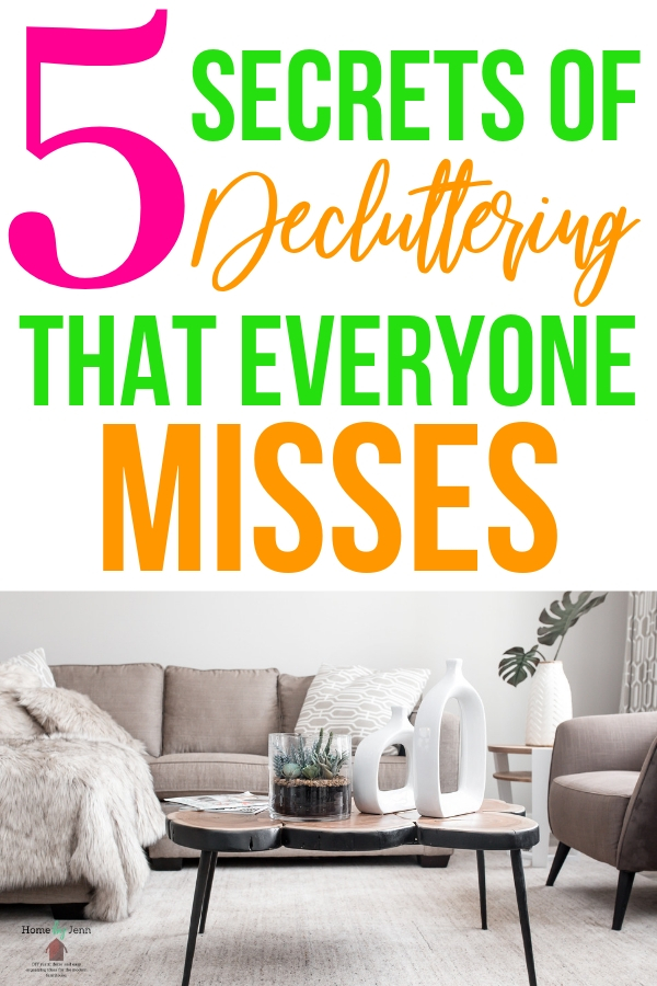 5 things people miss when they are decluttering. Get through the clutter with these organizing tips. #cleanhome #declutter #cleaning #cleaningtips #organizingtips #delcutteringtip #decluttering #clutter #minimize #minimalism via @homebyjenn