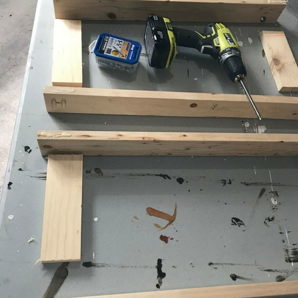 assembling the doors to cabinet with pocket hole screws and wood glue