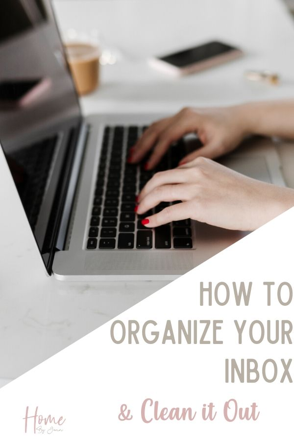 Clean out your inbox easily with these inbox zero organizing tips. Learn how to achieve inbox zero so your inbox isn't flooded with emails. #organizing #inbox #inboxzero #organizingtips #organizingideas #organizeelectronicfiles via @homebyjenn