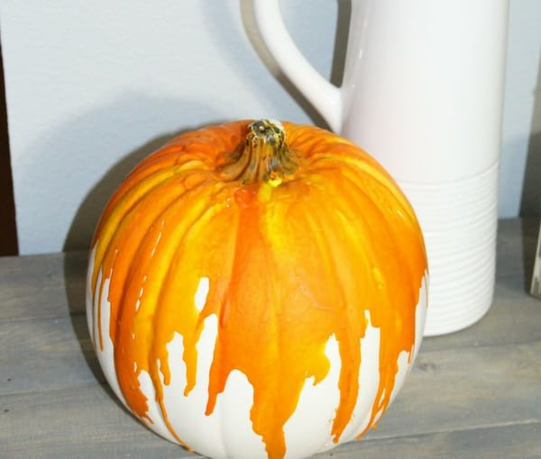 How to Make Melted Crayon Pumpkin Crafts for Your Home