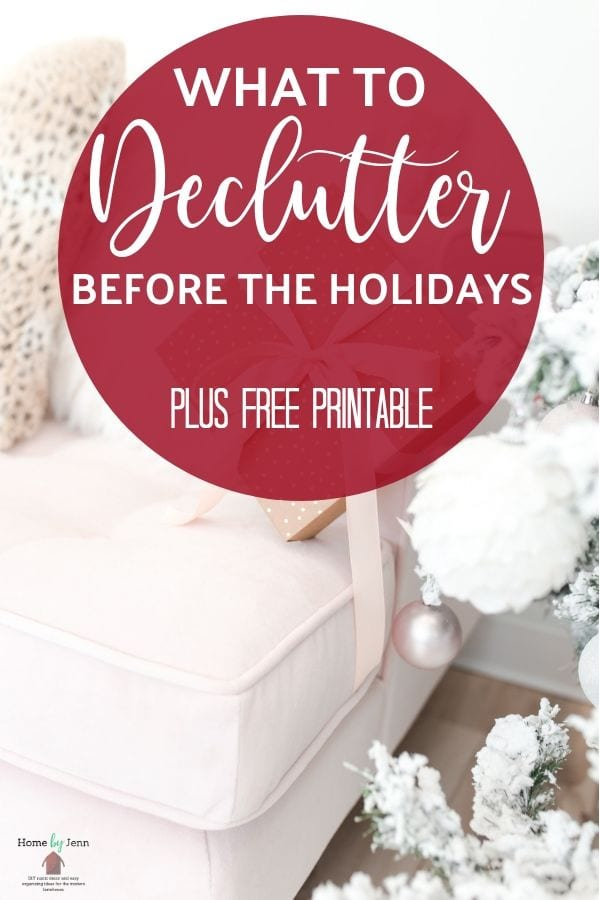 Are you looking to declutter before the holidays? These simple tips can help you accomplish that! Get rid of the clutter and have an open home! #declutter #declutteringtips #howtodeclutter  via @homebyjenn