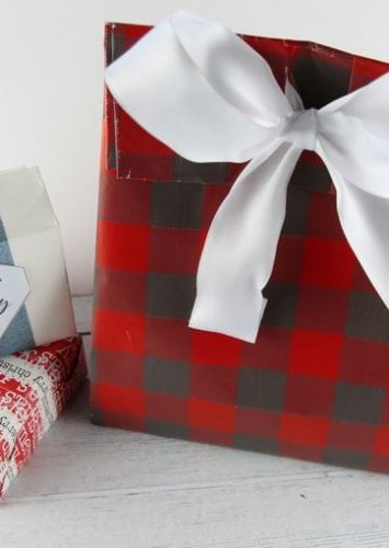 How To Wrap A Present In A Few Simple Steps