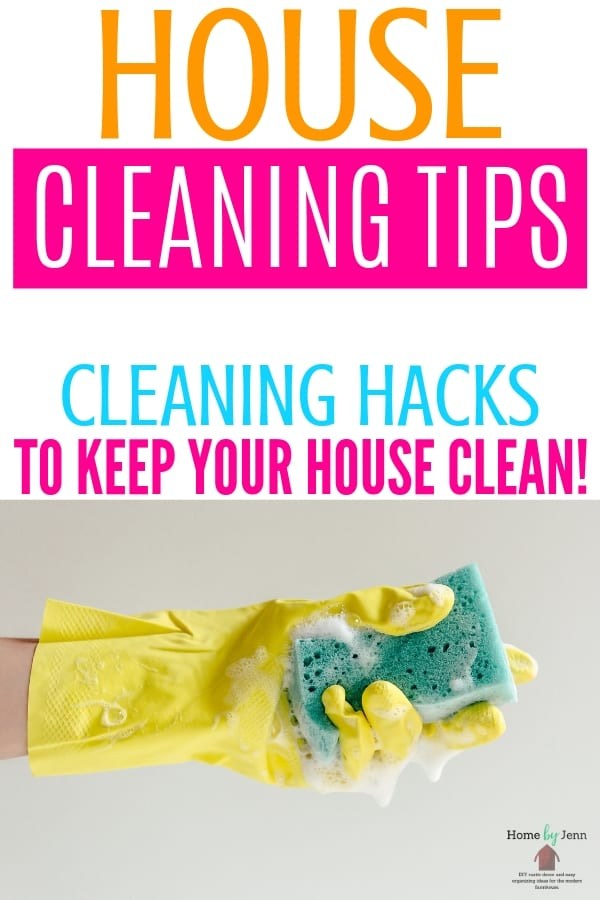 Learn how to keep your house clean with these house cleaning tips to help you. This post walks you through daily, weekly, and monthly cleaning schedules. #cleaning #schedule #wholehomecleaninglist #cleaninghacks #tacklehome #clean #howto via @homebyjenn