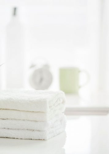 How to Deep Clean a Bathroom + Free Checklist