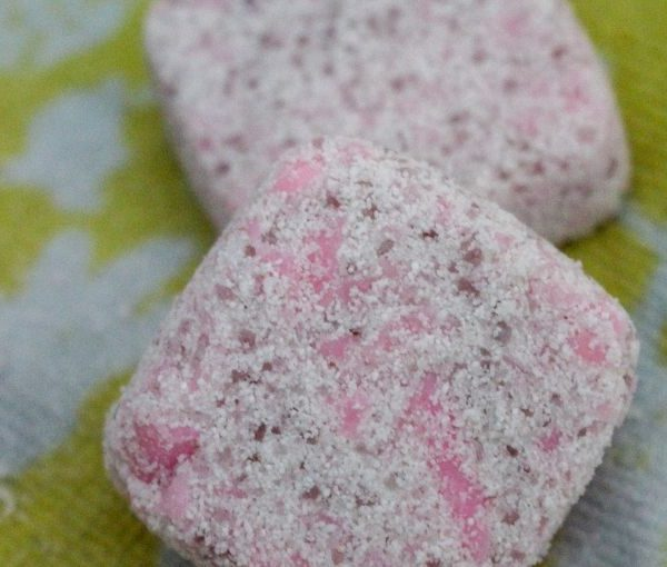 How to make your own DIY laundry detergent tabs