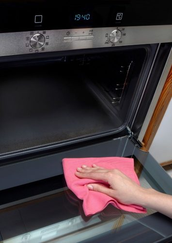 How to Clean Your Oven Glass
