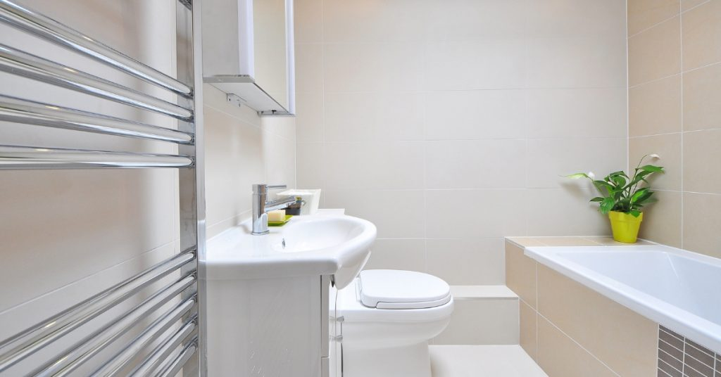 tips to clean the bathroom