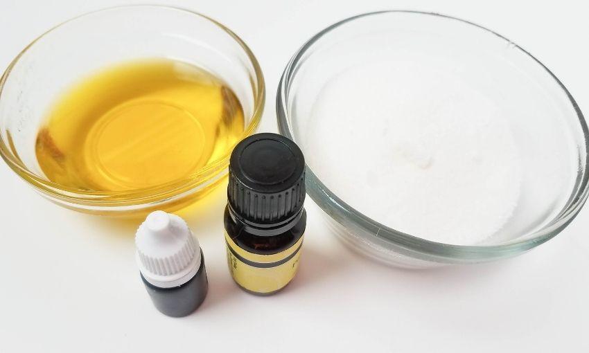 sugar, olive oil, essential oil, and colorant