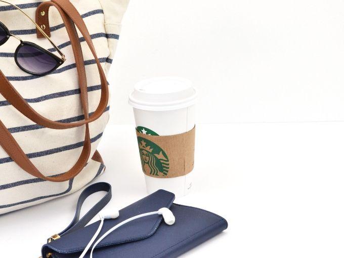 how to organize your handbag or purse