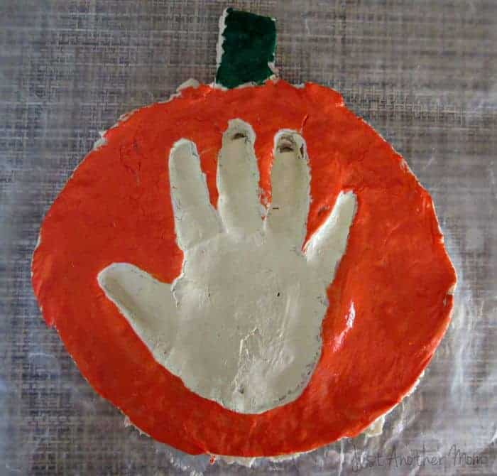 Handprint Keepsake Pumpkin Craft for Toddlers or Preschoolers