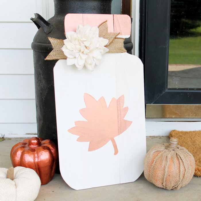 Mason Jar Sign: An Easy DIY Idea