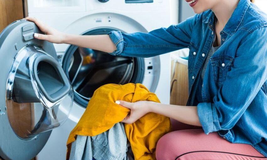 women pulling laundry