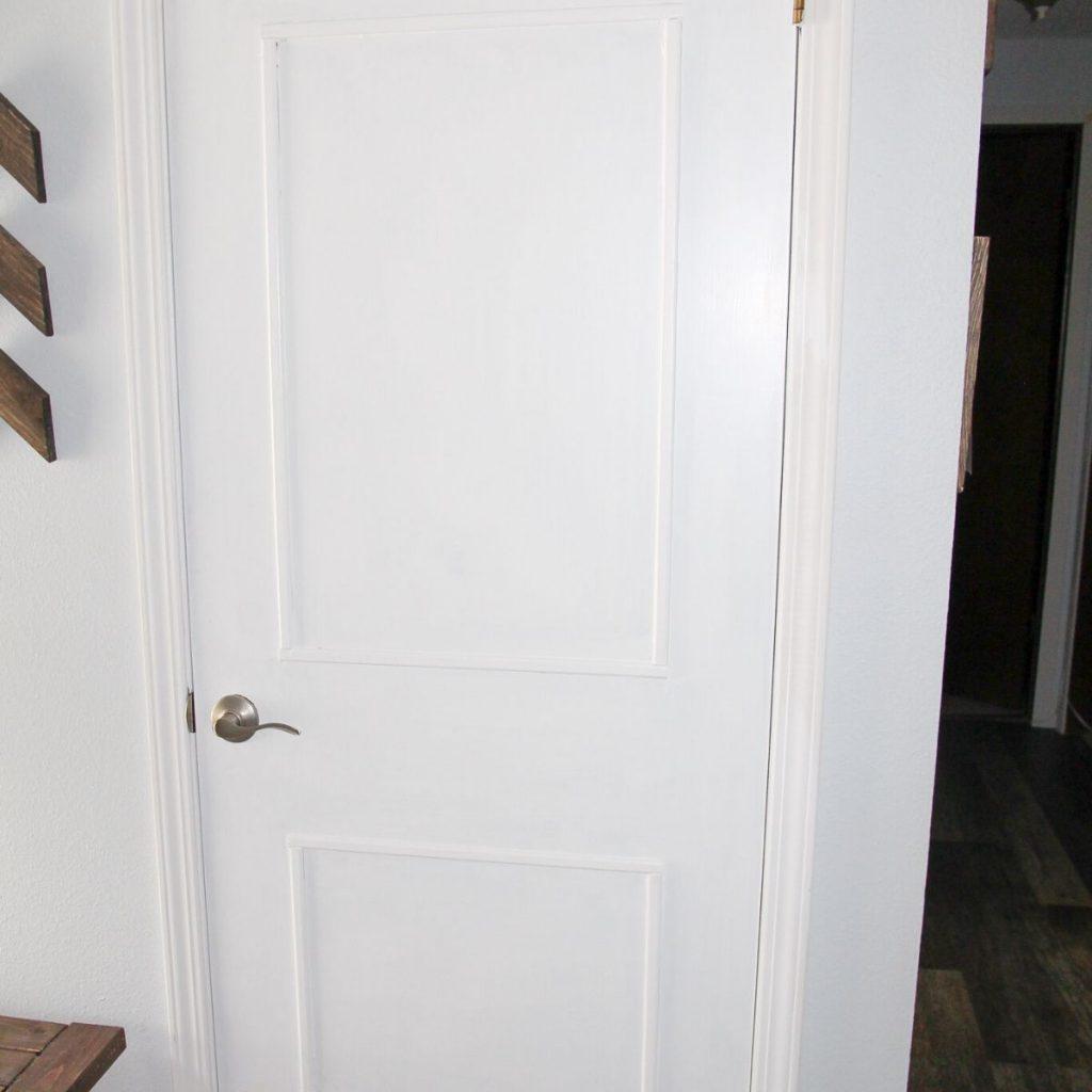 closet door painted white