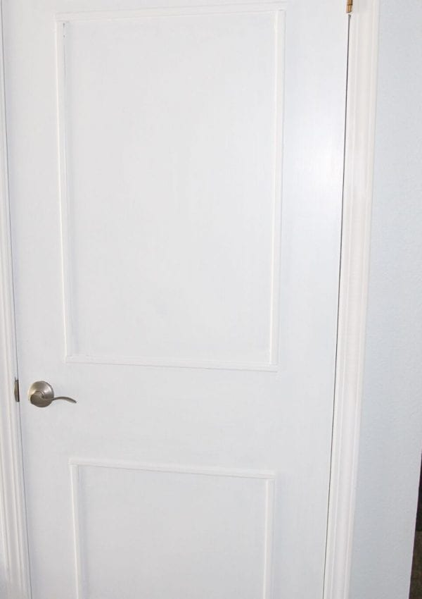 closet door painted white