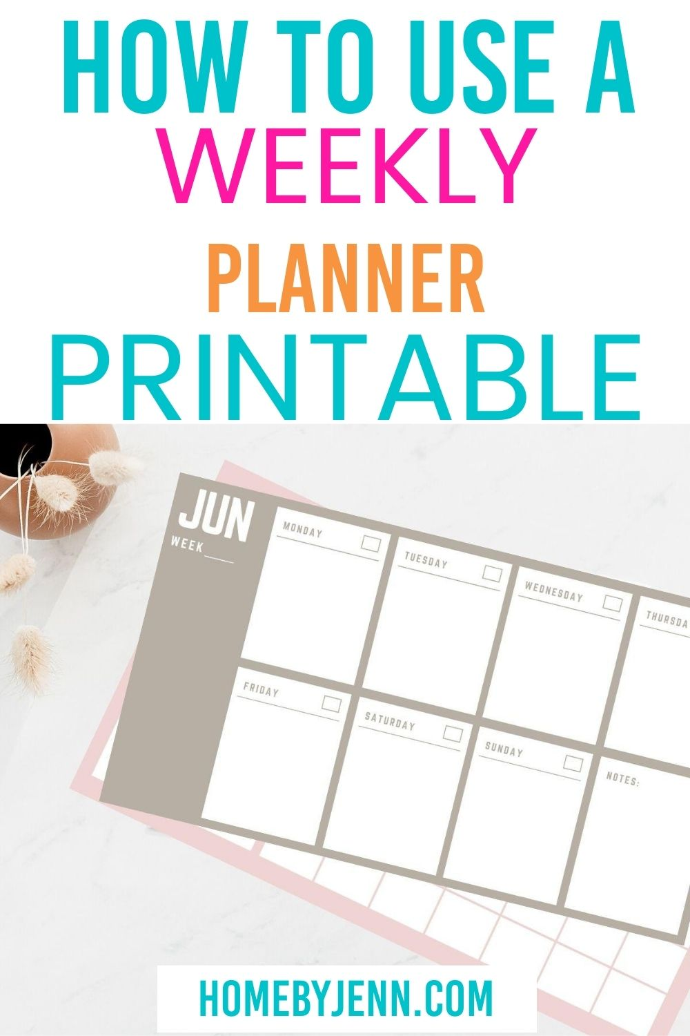 Learn how to use a Weekly Planner to help you get organized once and for all! Plus score a free printable to help! #planner #weekly #printable #howtouse #tips #getorganized #organizer via @homebyjenn