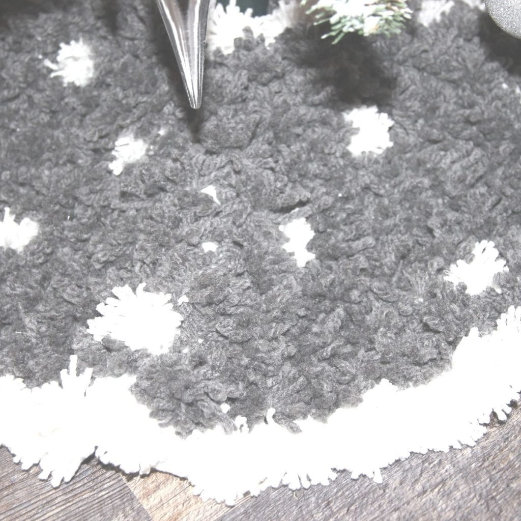 DIY Pom Pom Tree Skirt close up